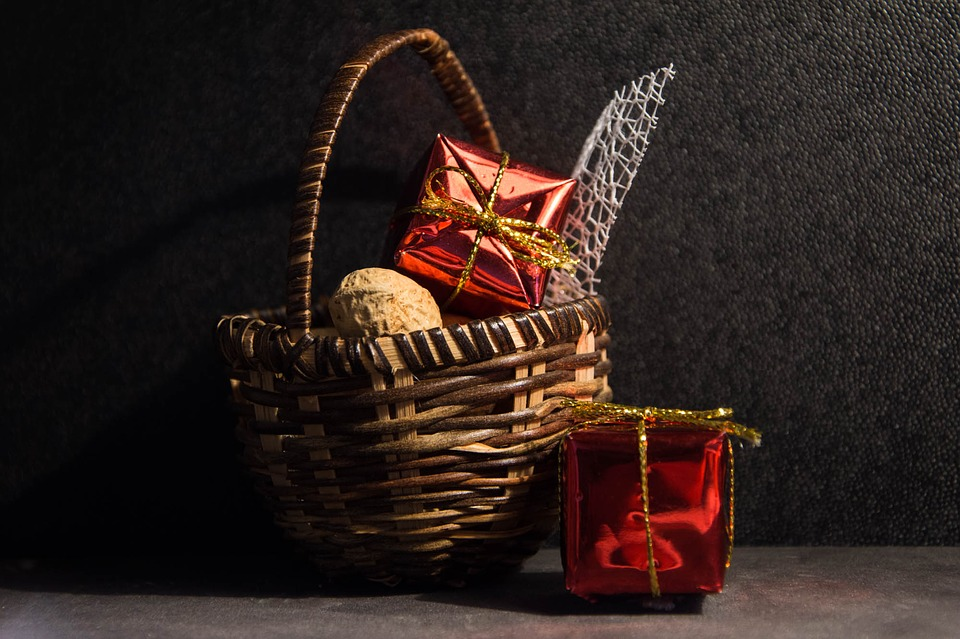 Top Five Dont's of Gift Recycling: A Guide to Gift Recycling Appropriately